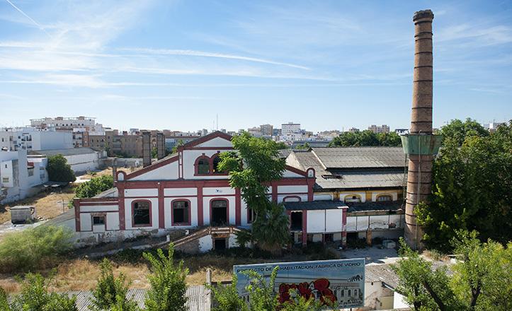 Vista aérea de la antigua Fábrica de vidrio de la Trinidad / Juan José Úbeda