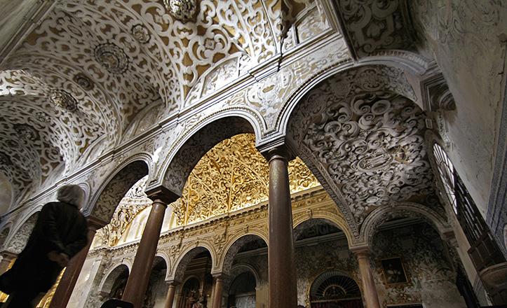 Las imponentes yeserías de Santa María La Blanca, objeto de reciente restauración / Vanessa Gómez