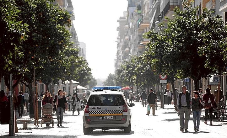 La calle Asunción es el punto de encuentro del barrio a causa de la falta de infraestructuras sociales
