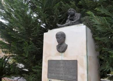 escultura-gran-plaza